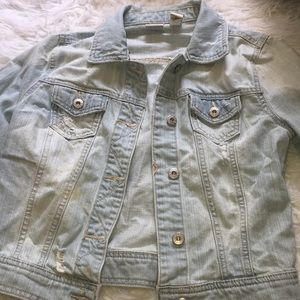 Distressed ripped jean jacket!